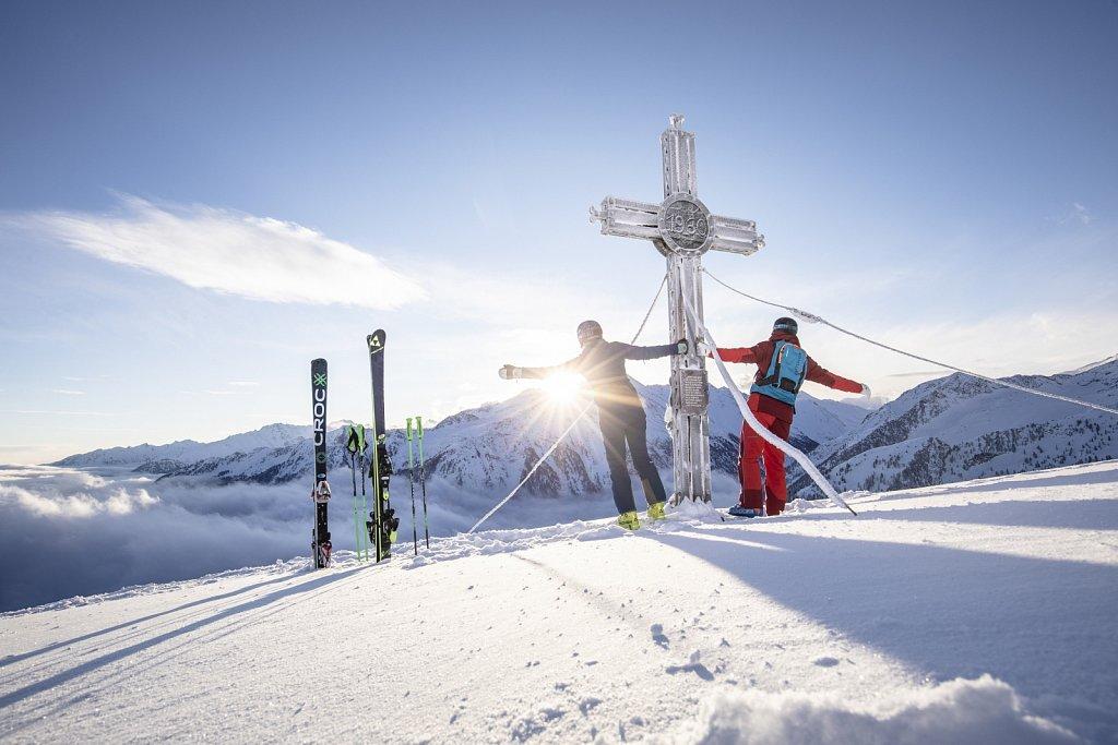 Zillertal-Arena-Sonnenaufgang-Skifahren-2019-HR-157.jpg